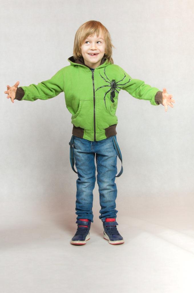 Dziecięce bluzy z kapturem ręcznie malowane